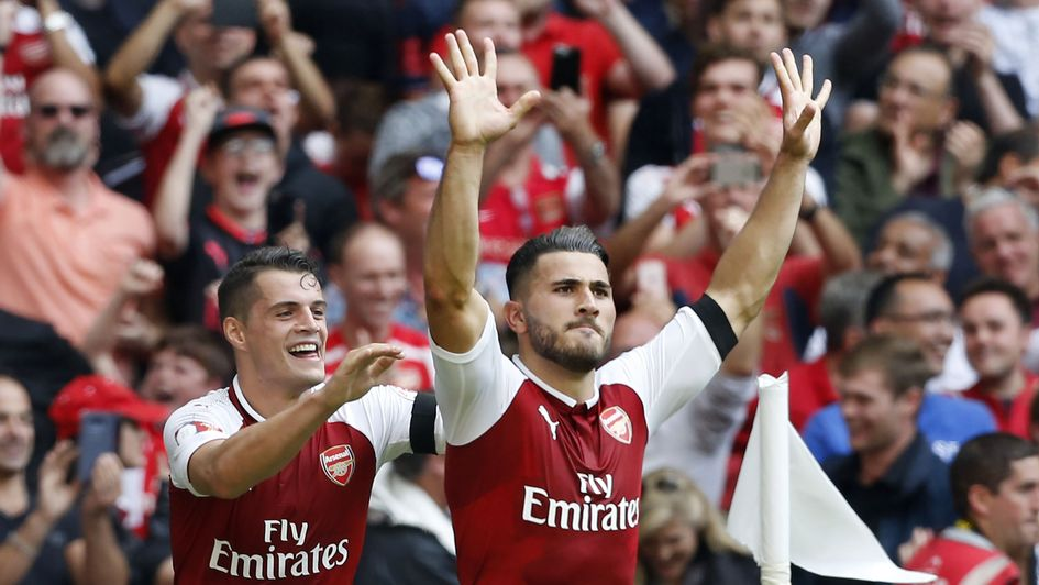Walcott on Arsenal teammate Kolasinac: He's an absolute animal!