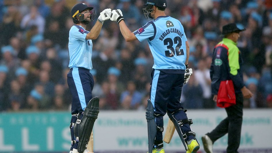 Jack Leaning takes stunning one-handed catch in NatWest T20 Blast
