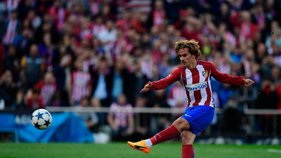 Atletico's Griezmann says six out of 10 chances of United move