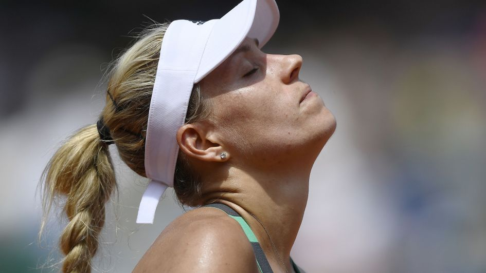 Kerber first top seed to lose Roland Garros opener