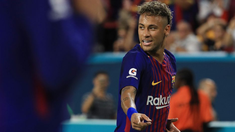 Neymar confirms to his teammates that he's leaving