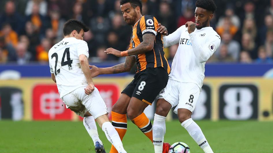 Tom Huddlestone rejoins Derby County from Hull City